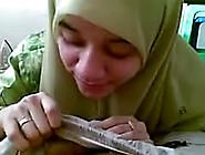 Malay Teen Muslim Wearing Hijab Blowjob Her Bf