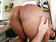 Voluptuous Brunette Mommy With Ample Booty Gets Her Bottom Oiled