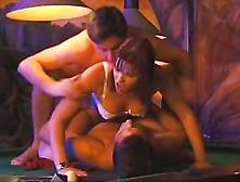 Alexandra yull baise sur un billard - 2 part 1