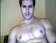 Sarado Gostoso Se Exibindo Na Webcam