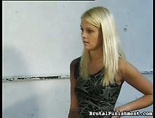 Blondie Braucht Es Hart