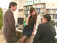 Office Lady Ameri Ichinose Pleased By Two Throbbing Shafts