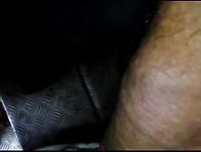 Encoxada punteando a madura en culo verga fuera 5