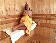 Sauna - Sex In Der Sauna - Merilyn Sakova