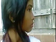 Bangla Girl's Outdoor Boob Show Clip
