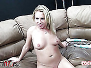 Hot Amateur Blonde Girls Aria Austin And Hallie Holiday Eat Puss
