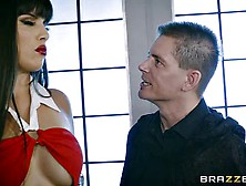 Vampirella: Mercedes Carrera - I Need Your Help,  Blood And Stron