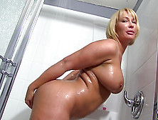 Scrumptious Mellanie Monroe Takes A Hot Shower In A Backstage Cl