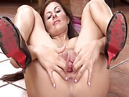 Unbelievably Hot Pornstar Fingerng And Toying Snatch Ha