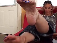Shaylee Toe Point & Foot Tease