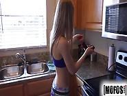Mostrando A Xoxota Bem Deliciosa Antes De Meter