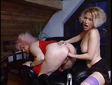 Young Lady Fists Mature Pierced Pussy