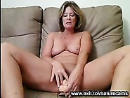 Milf From Vancouver Playing With Wet Pussy