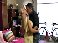 Hot Colege Babe Nicole Aniston