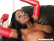 Fucking Hot Ebony Slut Lola Gives Yum Yum Blowjob To One White D