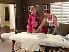 Jesse Jane Gets A Sensual Massage Then Fucks Her Masseuse