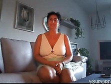 Mature Gettin A Leg Up - Sunporno