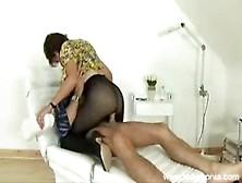Lady Bandit Handjob porn tube at
