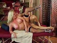 Bionda Tettona Prende Sborra Sulla Fica Dopo Il Massaggio Orgasm