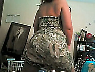 Extravagant Amateur Booty Shaking Show On Webcam From A Chunky G
