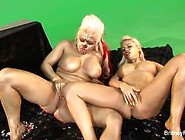 Gold Painted Babes Nikki Phoenix And Britney Amber Get It On