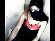 Hot Indian Girl Hide Her Face And Making Sex Chat