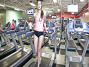 Babe On A Treadmill Shamelessly Exposing Herself