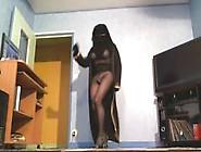 Hot Dance In Niqab