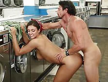 Hot Housewife Fucked Tirelessly In The Laundry Room