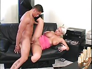 Short Hair'd Babe Gets Her Pussy Hole Pummeled Hard - Telse
