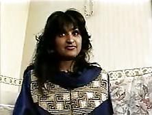 Garota Indiana Hunt Baljit