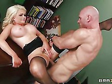 Oral Sex Action With Busty Alexis Ford Is Not Something You Want