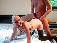 Er Spritzt Seiner Neuen Freundin In Den Arsch