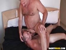 nude women spread