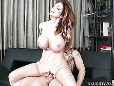 Deauxma With Big Bottom And Trimmed Beaver Gets Impaled On Schlo