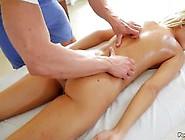Massage And Pussy Fucking For Lola Reve
