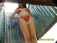 Flagras De Mulheres Sem Calcinha Na Cabine Da Praia