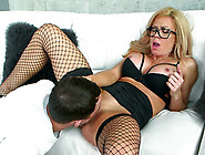 Horny Milf Parker Swayze Gets Her Pussy Licked