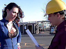 Boss Layla Rivera Fucks The Foreman
