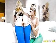 Spread Lesbian Cunnilingus