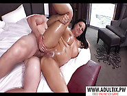 Very Hot Stepmom Lola Gives Titjob Well Her Step Son - Lola