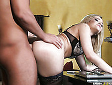 Super Hot Alexis Texas Got Banged Hard In Her Pussy