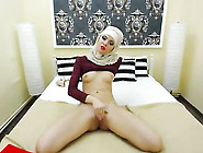 Hot Looking Libyan Camslut Giving Nice Cam Tease And Masturbatin
