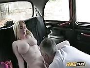 Georgia Lyall Im Fake-Taxi
