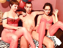Amateur Webcam Threesome Gets Fucking Hot