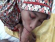 Hijab Teen Sucks A Fat Dick As A Professional