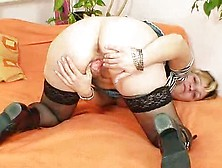 Mature Greenhorn Donna Regina Playthings Oustanding Haired Piss