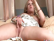 Amateur Solo Girl Reaches An Orgasm After Fingering