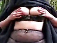 Arab Nikab Outdoor Striptease