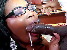 lesbian strapon big ass